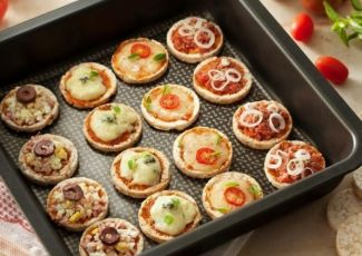 Mini Pizzas de Biscoito de Arroz
